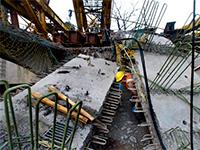 Трасса Москва-Петербург полностью перекрыта из-за обрушения моста. 289476.jpeg