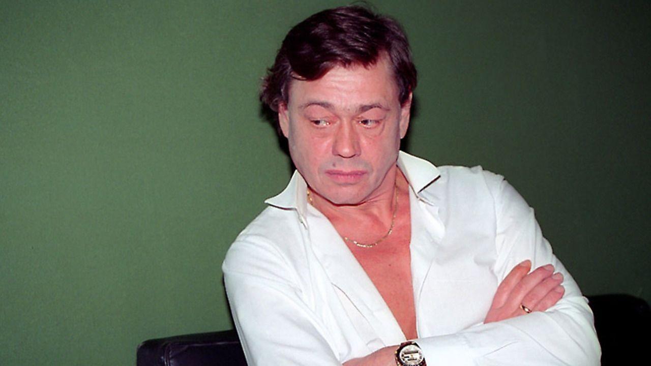 Караченцов начал лечиться от рака после молитвы на Афоне. Караченцов начал лечиться от рака после молитвы на Афоне