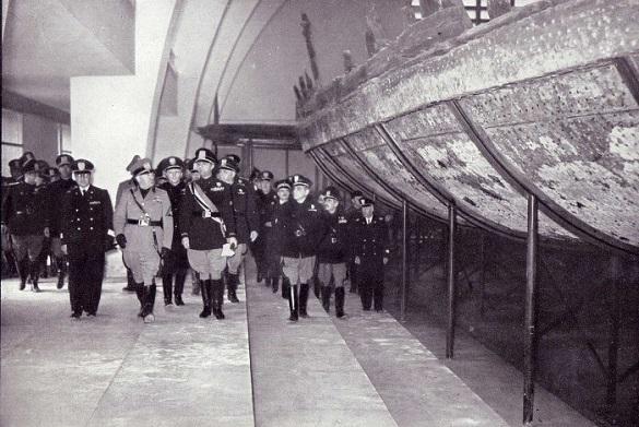 Муссолини не нашел корабль для оргий Калигулы