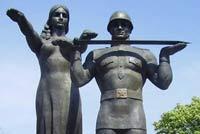 В Цхинвале поставили памятник российским солдатам