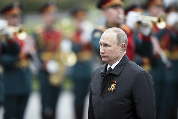 Путин предложил тост: За победителей, за мир на нашей земле, за