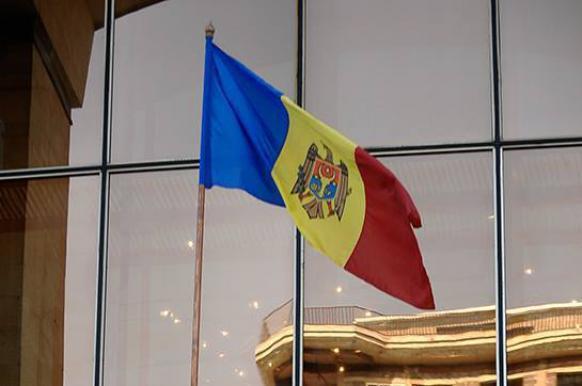 Оппозиция Молдавии не признает итоги выборов в двух округах.