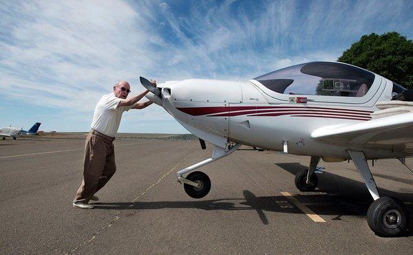 Старейший летчик в мире теперь проживает в Калифорнии: в Книге рекордов Гиннеса - новое имя. 317482.jpeg