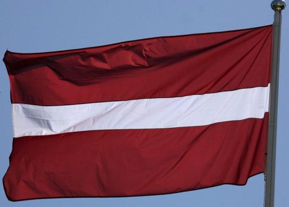 МИД Латвии добивается срочного выделения 0000 на замену 20-летнего лифта в посольстве РФ. флаг Латвии