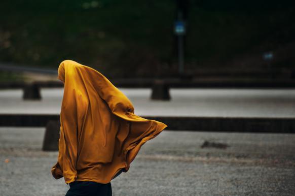 Полиция Казани собирает данные о носящих хиджабы школьницах.
