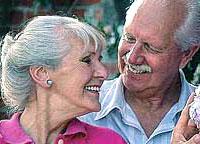 Седина в бороду: почему растет число браков между стариками