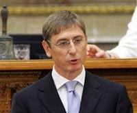 Премьер Венгрии пал жертвой мирового кризиса