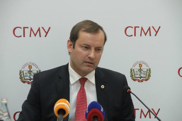 В Смоленском государственном медуниверситете разразился международный скандал. Роман Козлов