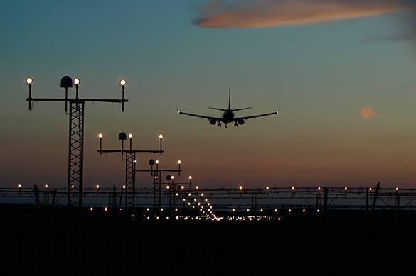Главу Минфина США заподозрили в просмотре затмения с государственного самолета. Главу Минфина США уличили в просмотре затмения с государственног