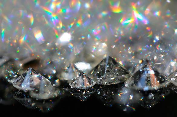 Таможенники  в Домодедово задержали израильского контрабандиста с бриллиантами. 373489.jpeg