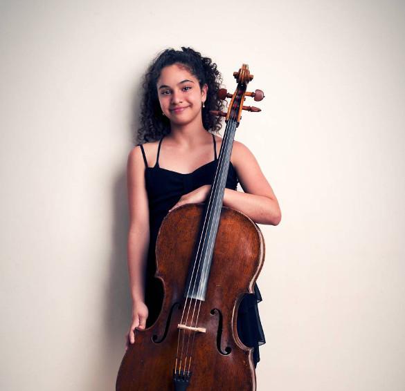 Даниэлла Акта: Принцесса с виолончелью