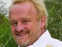 Ведущий кулинарных шоу воровал продукты из гастронома. showman