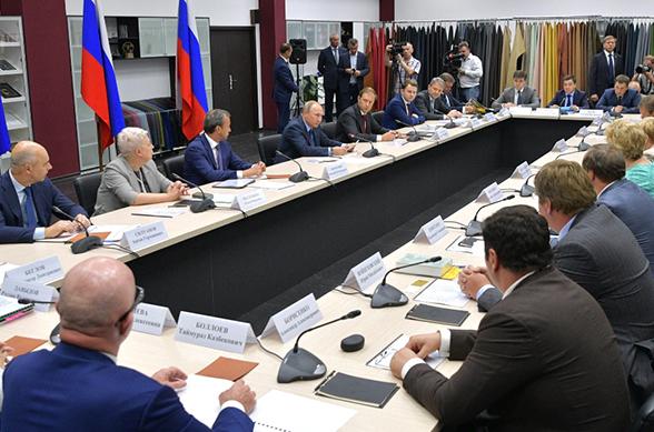 Путин обратил внимание промышленников на проблему контрафакта. Путин обратил внимание промышленников на проблему контрафакта