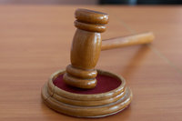 Погромы вынудили британские суды работать круглосуточно. sud