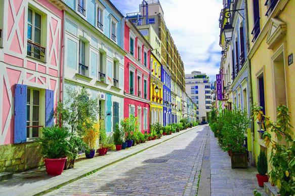 Жители парижской улицы пожаловались на фотографирующихся туристов. 400502.jpeg