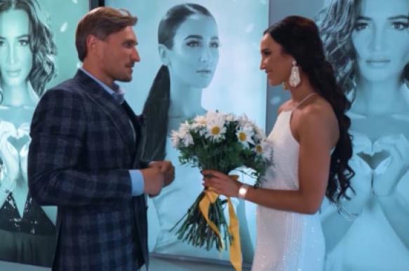 Шоу закончилось поцелуем: Бузова приняла предложение Лебедева. 393503.jpeg