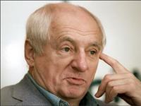 Марк Захаров привез в Петербург премьеру