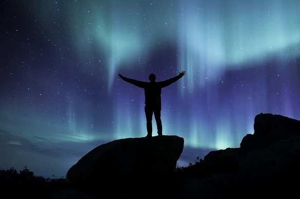 Вспышки на Солнце подарят москвичам северное сияние. Вспышки на Солнце подарят москвичам северное сияние