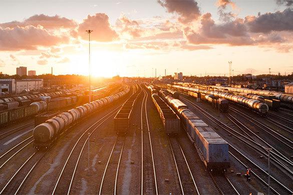 61 пара пассажирских поездов уже пущена в обход Украины. 376505.jpeg