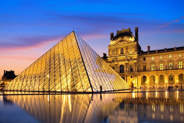 Франция: от палитр Монмартра до перфомансов «Сен-Анри». От палитр Монмартра до перфомансов «Сен-Анри» во Франции