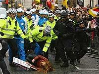 В ходе беспорядков в Лондоне погиб человек