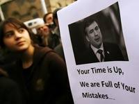 Оппозиция заблокировала набережные Куры в Тбилиси