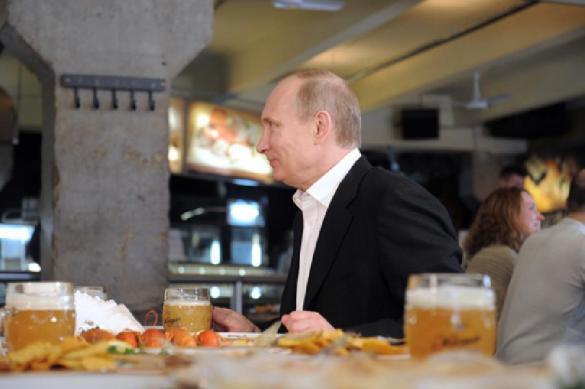 """Путин: """"Люблю пиво, но боюсь пивного живота"""". Путин: Люблю пиво, но боюсь пивного живота"""