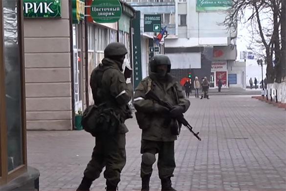 Вооруженные люди в центре Луганска — результат противостояния Плотницкого и МВД. 379511.jpeg