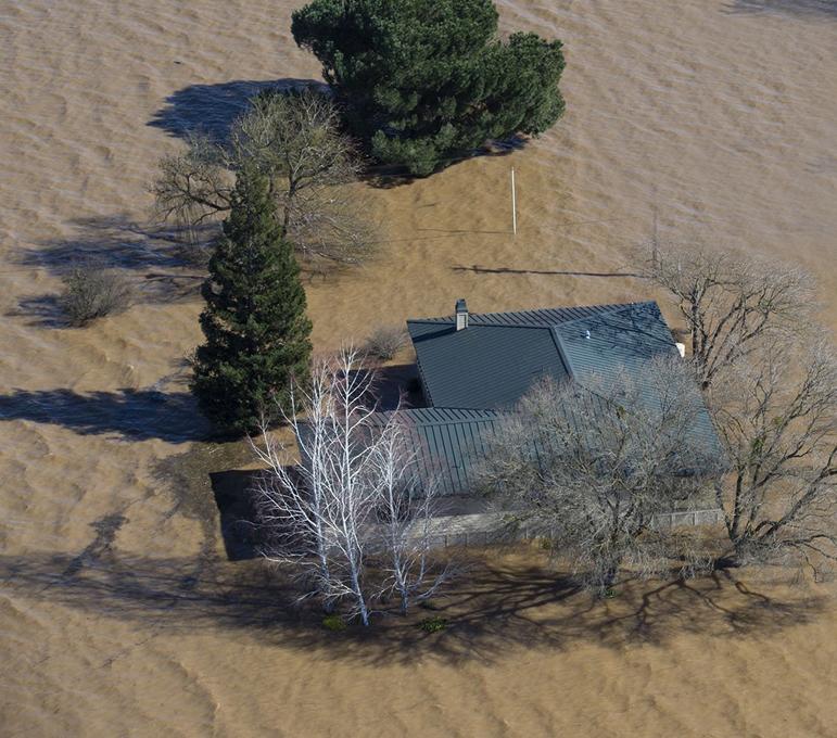 Максимальная угроза: разрушающаяся плотина смоет Калифорнию