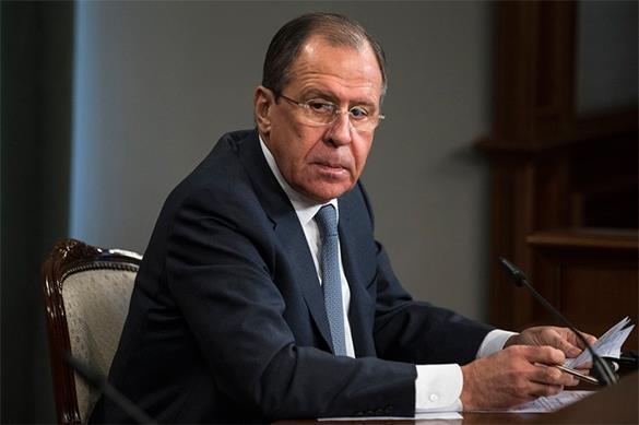 Сергей Лавров, сидя