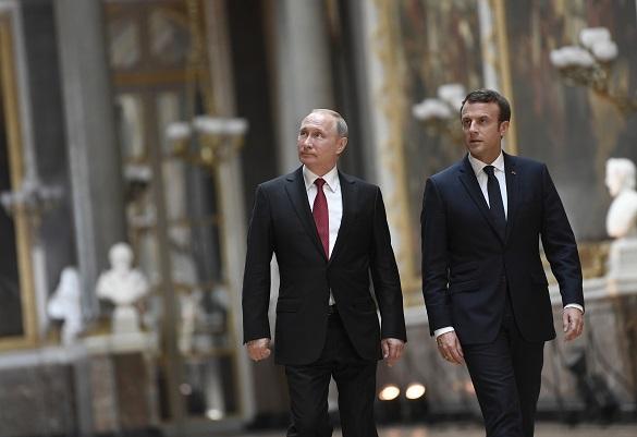 Визита Путина в Версаль: Макрон как символ увядающей Франции — А
