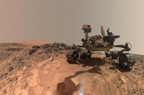 Ученых смутили странные фото, полученные с Марса. 385518.jpeg