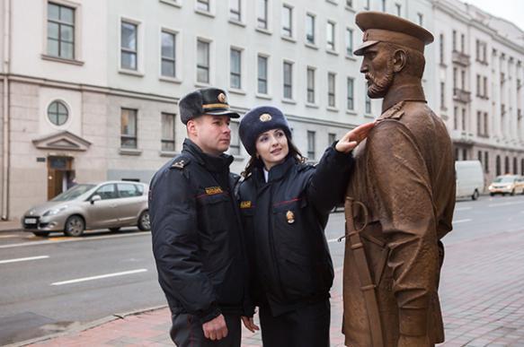 Милиция в Белоруссии заставила подростка извиниться перед скульптурой. 396518.jpeg