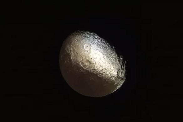 Уфологи раскрыли тайну: третий спутник Сатурна создан инопланетянами. 371522.jpeg