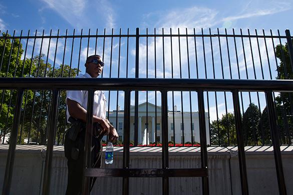 Белый дом не прокомментировал встречу президентов РФ и США