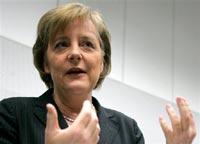 Меркель призывает оградить детей от оружия