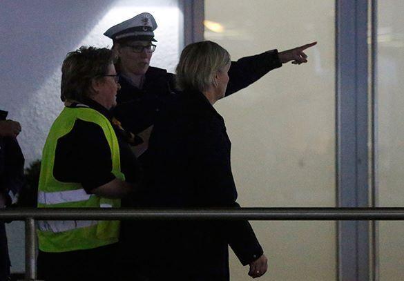 Европейские министры облетели на вертолете место катастрофы  лайнера Germanwings. Министры из Европы облетели местро крушения лайнера на вертолете