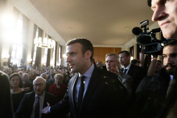 Макрон обещает создать во Франции кибервойска