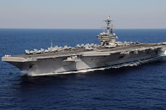 Ударный авианосец США проведет два года в ремонте.