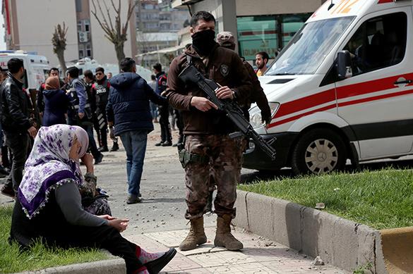 В Турции 29 человек пострадали из-за взрыва на текстильной фабри