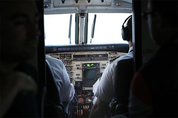 Поющий пилот оборвал связь аэропорта ссамолетами