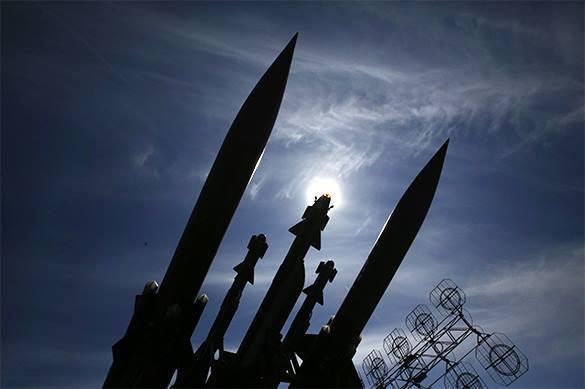 ВРФ создается встроенная вракету система РЭБ, имитирующая массированный ракетный удар