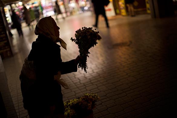 Киев насилует Украину и готовит ее к распродаже - экс-политзаключенный из Харькова. бедность,нищета,дефолт,бабушка, пенсионерка