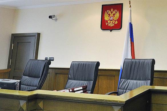 В Новосибирске 16-летних мальчика и девочку осудят за разбой и п