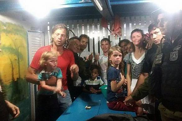 Семья американцев сбежала от пиратов в джунгли Амазонки. 378535.jpeg