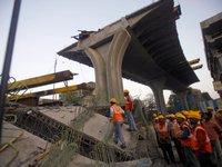 В Мумбаи обрушился мост у аэропорта, есть погибшие. 280537.jpeg