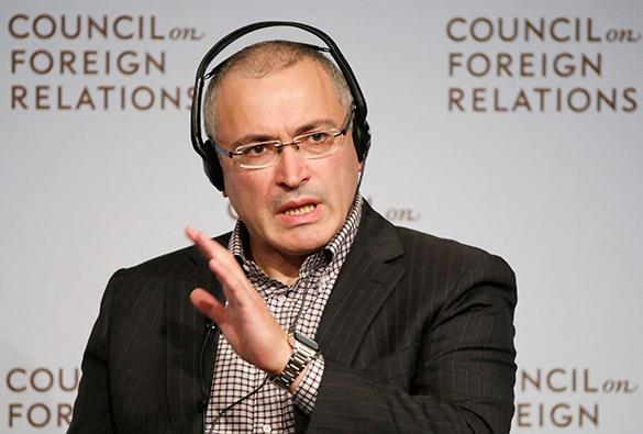 Граждане США обвинили Обаму в получении денег Ходорковского