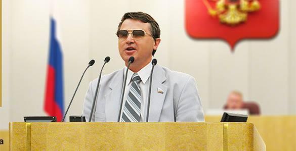 Олег Смолин: В России даже депутаты работают без профобразования.
