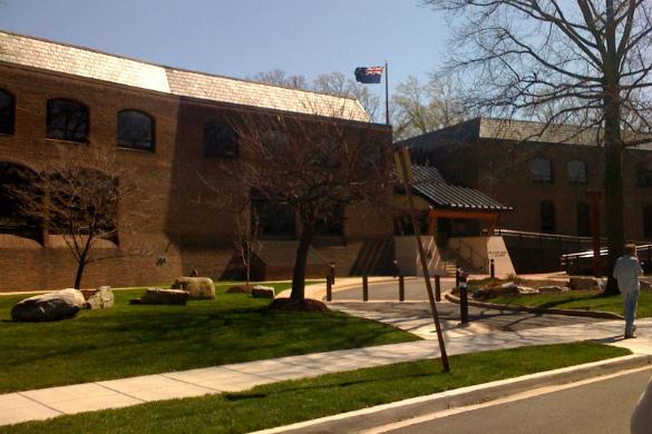 Американский дипломат выслан из новейшей Зеландии сосломанным носом