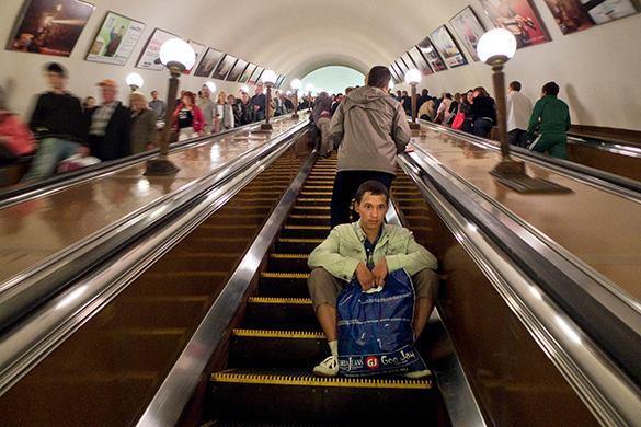 У эскалаторов метро появятся светофоры